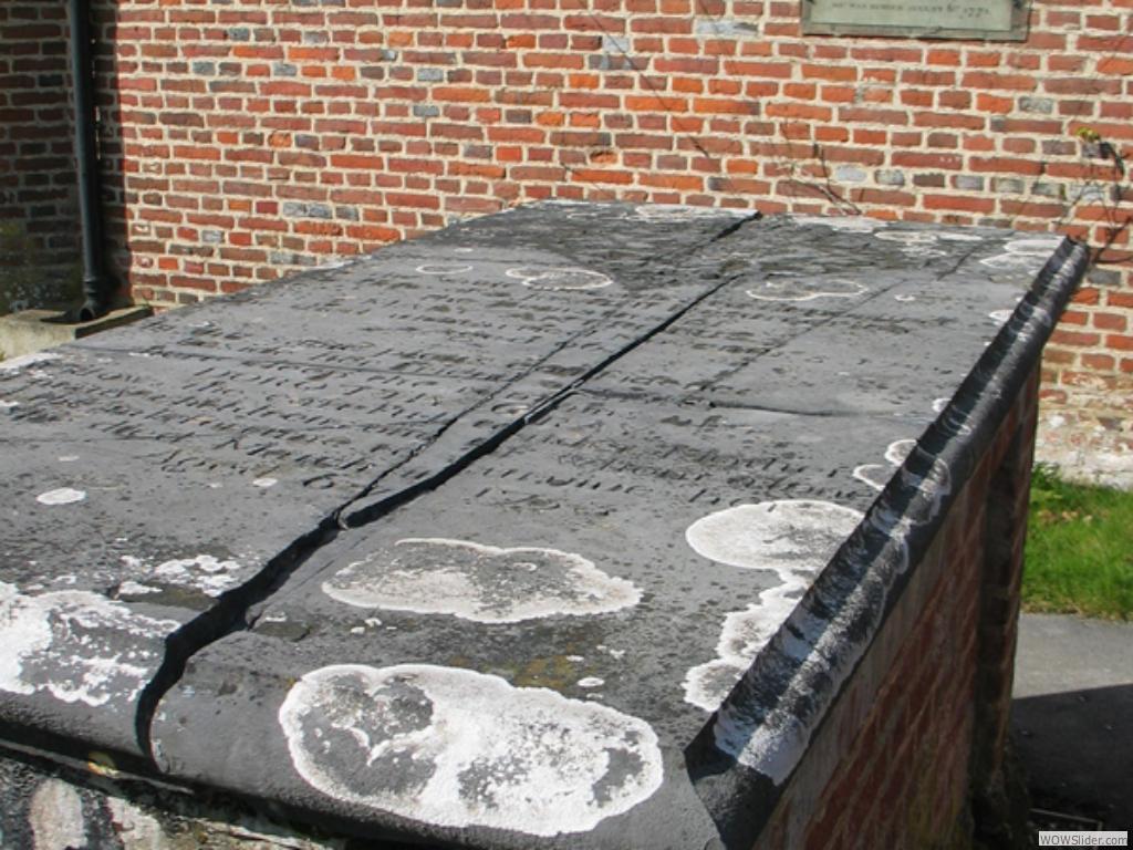 Gray's tomb before restoration
